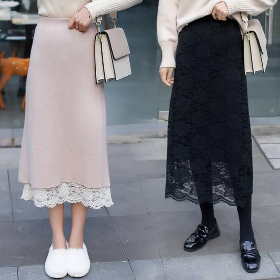 リバーシブルスカートを着た女性